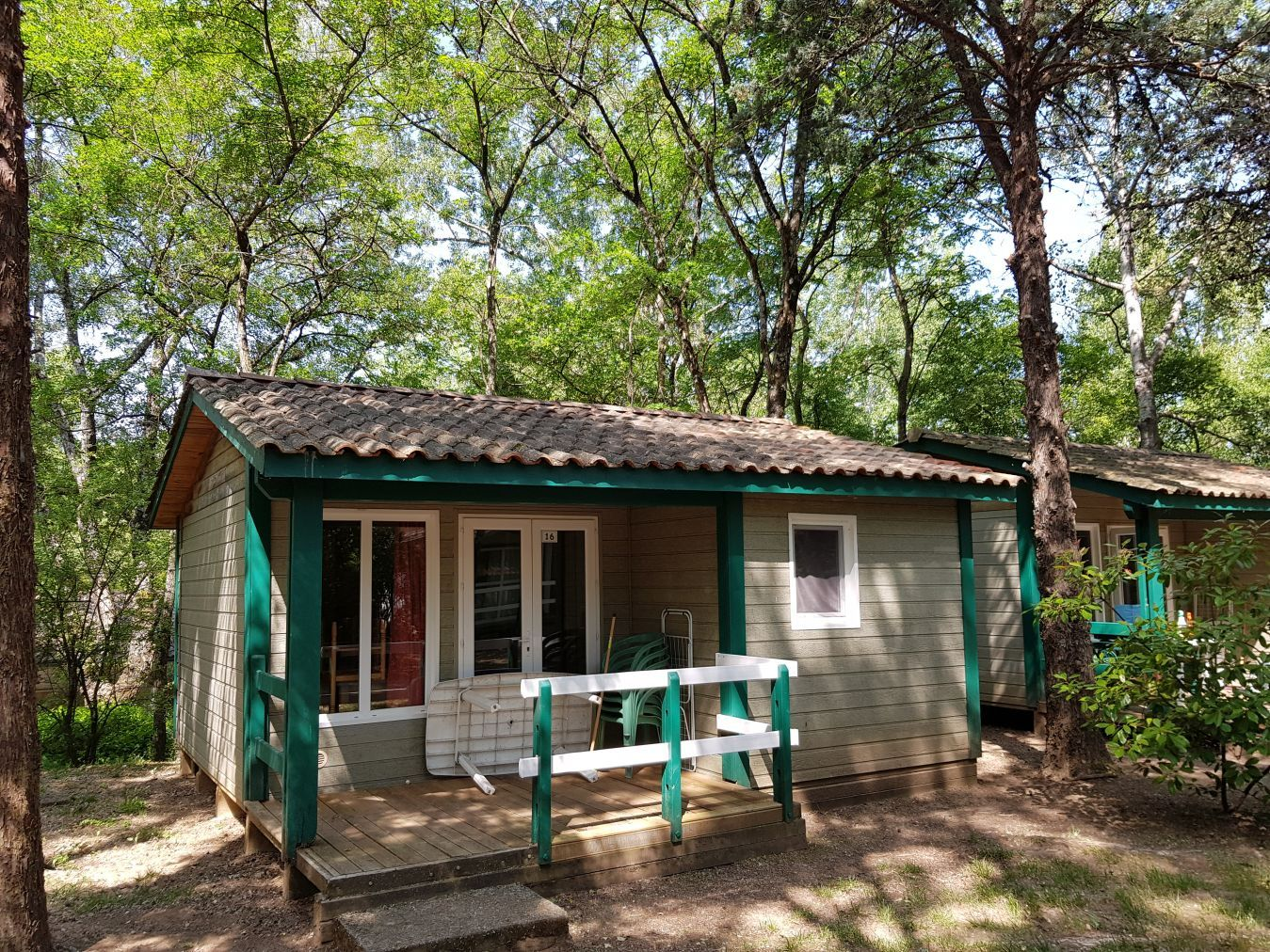 Chalet 5 personnes camping sud Ardèche Fuster